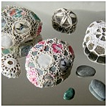 patchwork-covered-sea-stones